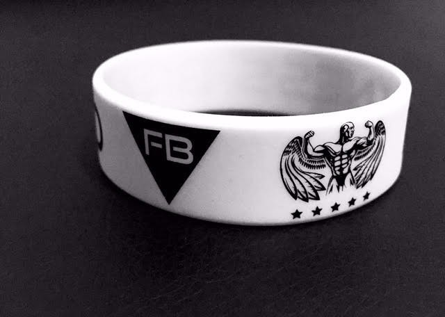 FITNESS BRAND BRACELET - WHITE ACCESSORIES 5,00 €